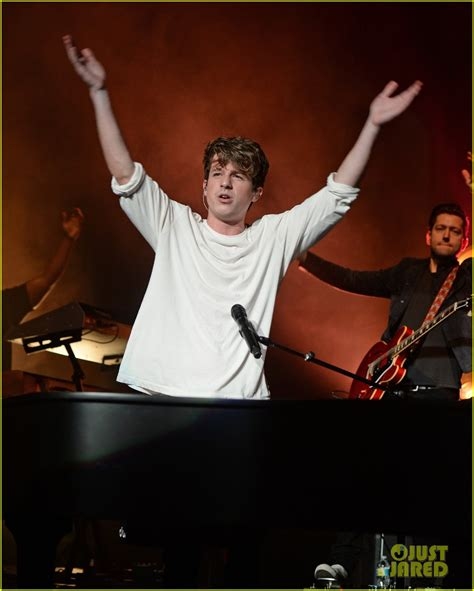charlie puth concert charlie puth brings his don t talk tour to miami photo