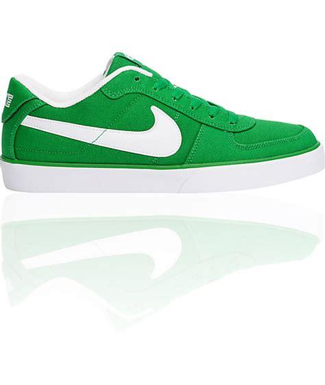 nike 6 0 mavrk canvas victory green white shoes