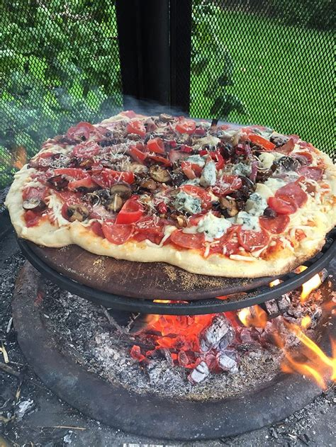 Firepit Pizza 25 Best Ideas About Pit Food On C Ideas Cing 101 And Cfire Food
