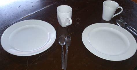 Pisau Dan Garpu Steak makan pakai sendok garpu atau dengan pisau dan garpu oleh