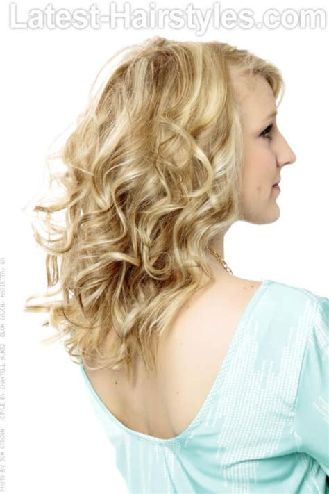 curling wand on medium layered hair 36 curled hairstyles tending in 2018 so grab your hair