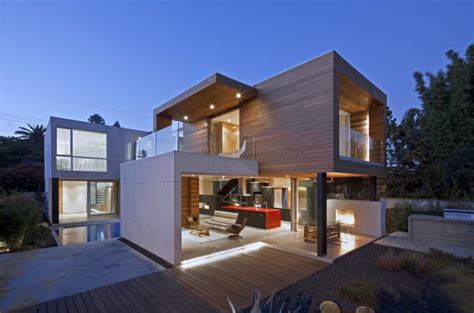 Modern Home Employing Sustainable Design Techniques in LA