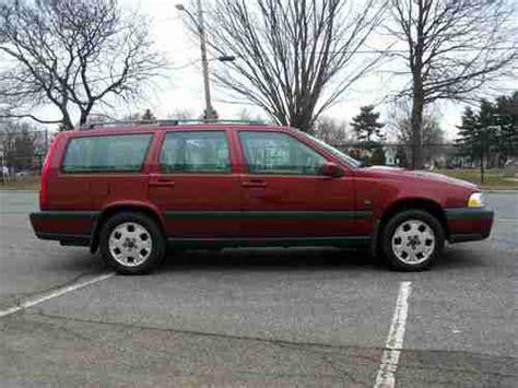 buy   volvo  xc awd wagon  door    rahway  jersey united states