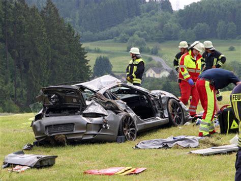 Porsche Crash by Schwerer Porsche Crash 2 Schwerverletzte Wirsiegen