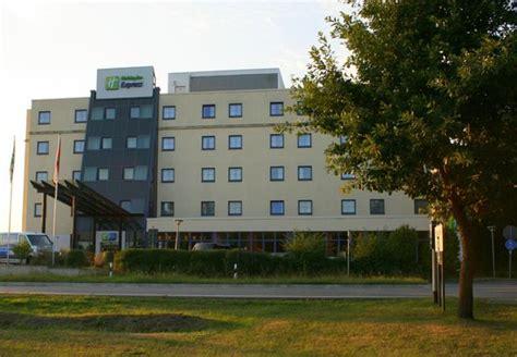 express frankfurt flughafen 301 moved permanently