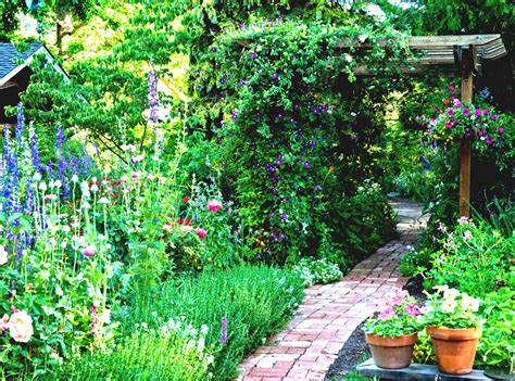 Small Garden Decor Ideas Small Backyard Design Small Garden Ideas