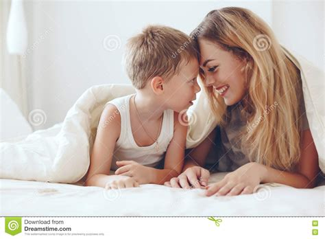 mother and son bedroom scene mother and son bedroom scene 28 images mom relaxing