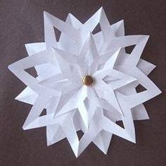 How To Make 3d Snowflakes Out Of Construction Paper - 1000 ideas about paper snowflakes on