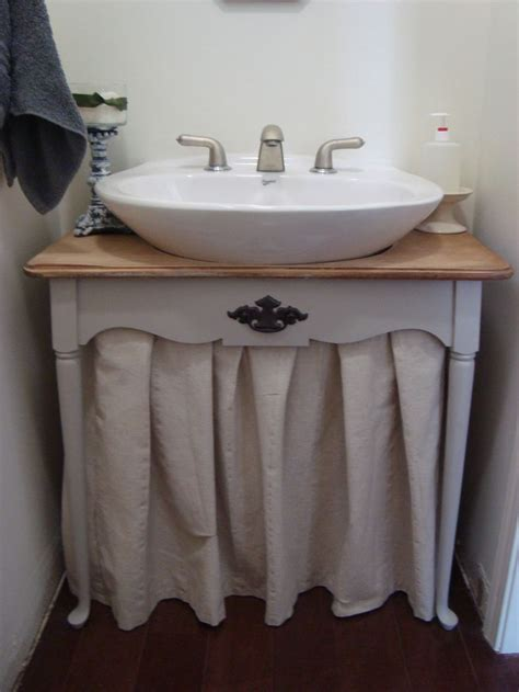 pedestal sink curtain knew it could be done this is a pedestal sink don t