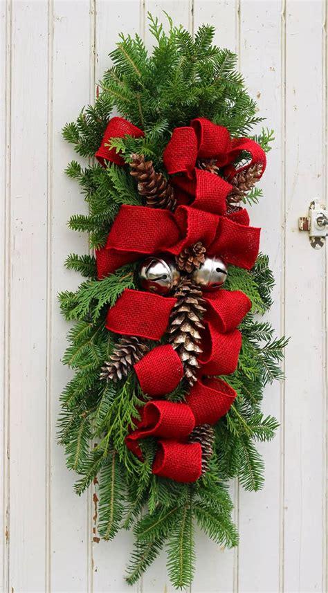 diy christmas door decorations  greet  guests