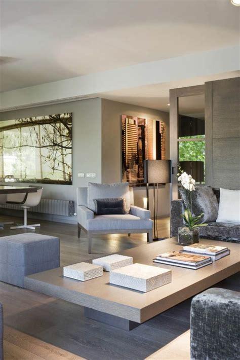 coole sitzmöglichkeiten deko wandspiegel wohnzimmer