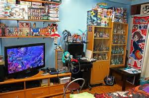 otaku bedroom goboiano 14 anime rooms that just might be heaven room pinterest the two videos and the