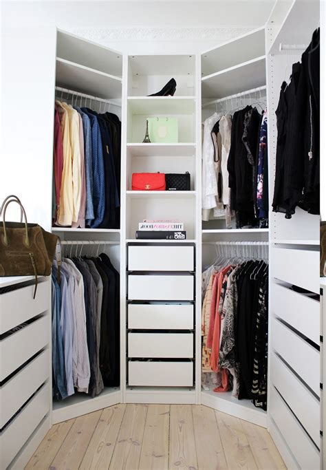 cool inspiration  walk  wardrobe ideas camer design