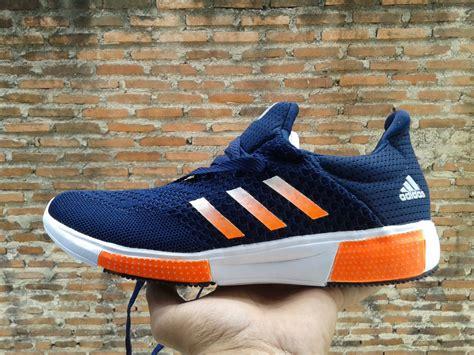 Sepatu Lari Adidas jual sepatu adidas terbaru baru sepatu lari pria wanita