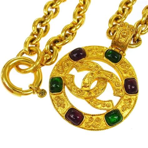Tas Chanel Classic Coin 26 Cm chanel vintage multi gripoix gold coin charm evening drape necklace in box for sale at 1stdibs