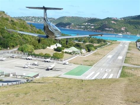landing strips pictures 17 best images about st barts airport on pinterest grand