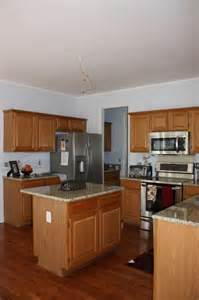 Is It Hard To Paint Kitchen Cabinets by 25 Best Ideas About Venetian Gold Granite On Pinterest