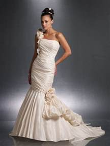 wedding dresses women 2013