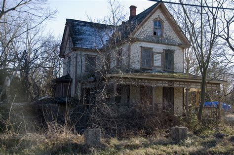 deconstructing horror haunted houses