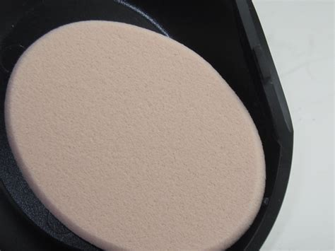laura geller cover foundation swatches laura geller baked elements foundation review swatches