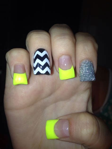 bright pattern nails best 25 bright acrylic nails ideas on pinterest bright