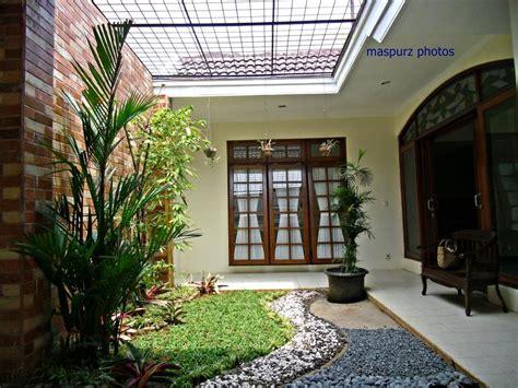 desain atap belakang rumah minimalis membuat model taman kecil belakang rumah renovasi rumah net