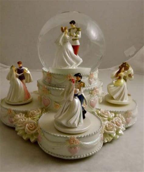 Walt Disney World Princess Wedding Cake Snowglobe Snow