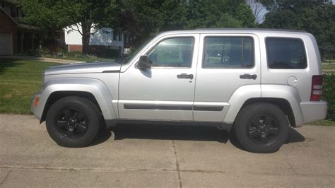 silver jeep liberty with black rims lost jeeps view topic the of my my 2009 kk