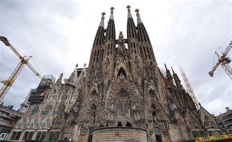 Sagrada Familia: le origini e le caratteristiche dell