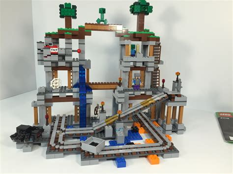 Lego 21118 Minecraft The Mine lego minecraft 21118 the mine review