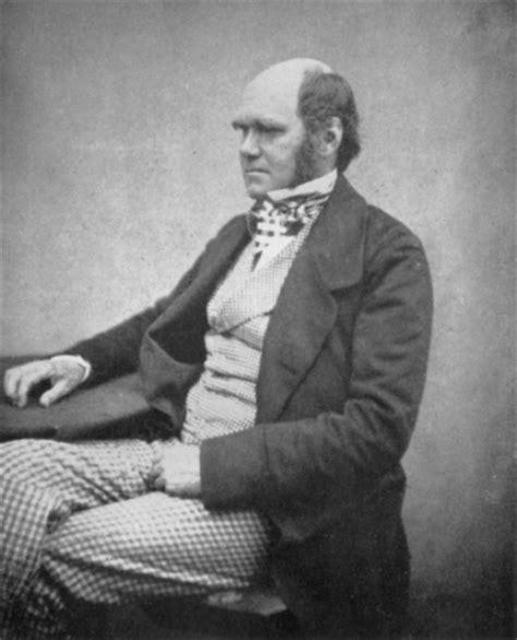 charles darwin biography in spanish 10 interesting charles dickens facts my interesting facts