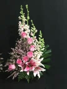 flower arrangements 25 best ideas about flower arrangements on creative floral arrangements and diy