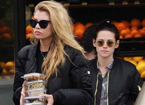 Dating Model by Kristen Stewart Out Shopping With New Model