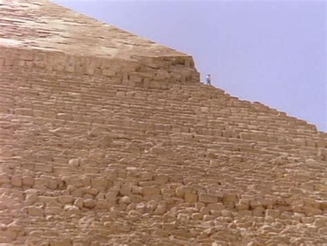 Armchair Theorizing Who Built The Pyramids