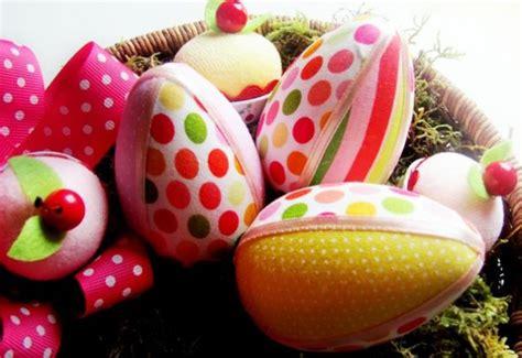 decorar ovo de pascoa em papel como decorar ovo de p 225 scoa tecido