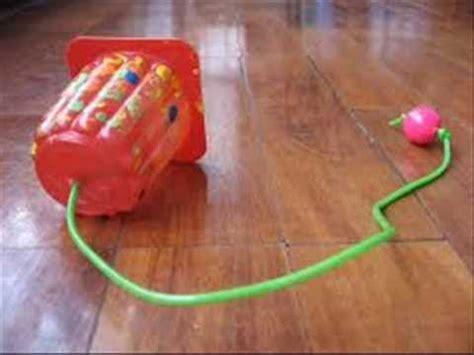como hacer carrito con material reciclable juguetes juguetes con material reciclado 4