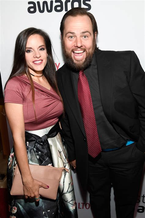 Colette Butler Also Search For Shaytards Youtuber Shay Carl In With