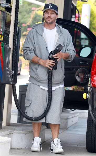 Kevin Federline Starts A Fashion Trend by More Pics Of Kevin Federline Basketball Sneakers 6 Of 8