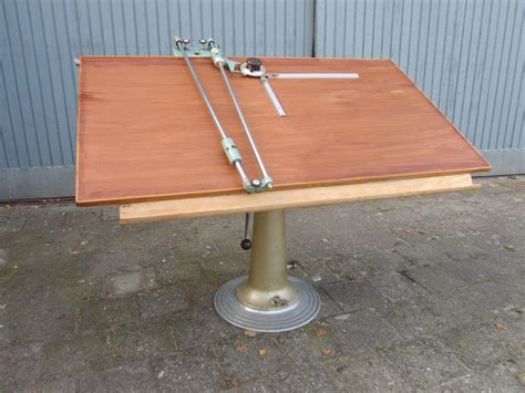Free Drafting Table Plans Drafting Table Plans Free Into The Glass Decide To Use A Wooden Drafting Table