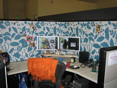 cubicle chic 28 interior designs with office cubicle messagenote