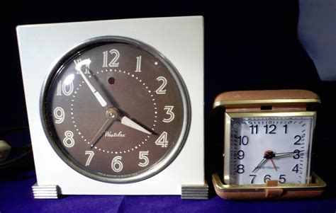 westclox clocks wind  travel alarm clock working