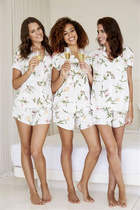 braut pyjama best 25 bridal party pajamas ideas on pinterest
