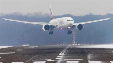 decollo aereo dalla cabina atterraggi e decolli con forte vento da brivido