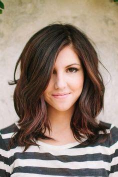 low maintenance medium length hairstyles for wavy hair