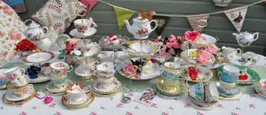 cake stand heaven april 2012