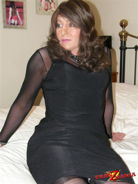 Black Cross Dressers by Tranz Mania Gorgeous Crossdresser Wearing Black Nylons