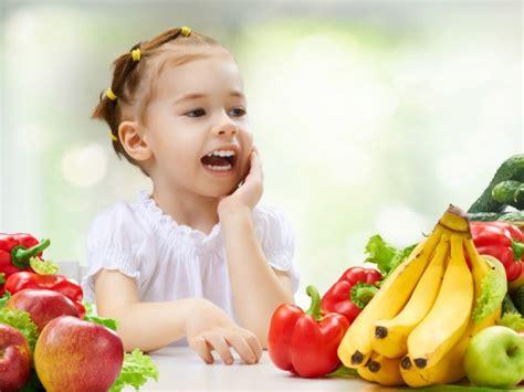 alimentazione bimbo 3 anni alimentazione bambino 3 anni bimbi sani e belli