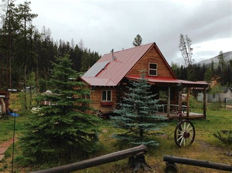 Grand Cabin Rentals by Log Cabin In The Mountains Near Lakes And Streams