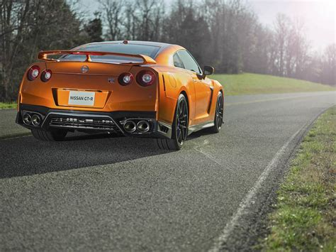 nissan godzilla 2016 2017 nissan gt r godzilla gets a louder roar in new york