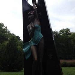 pyramid hill lights hamilton ohio pyramid hill sculpture park museum park hamilton oh